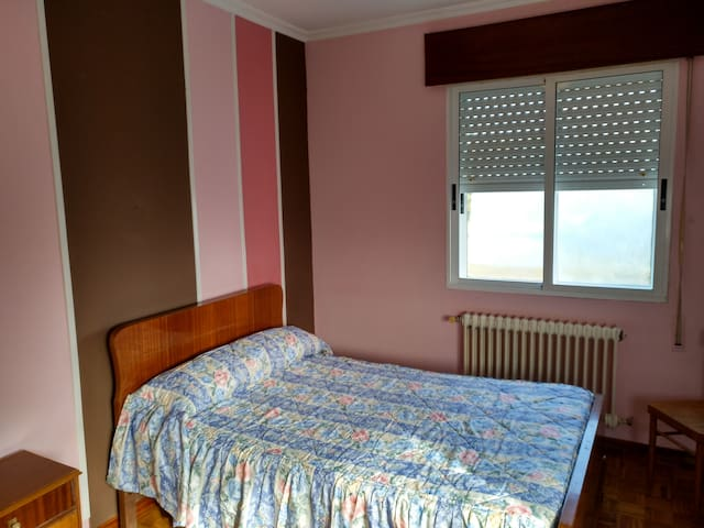 Alquiler Habitación Doble Exterior en Chantada - Chantada - Appartement