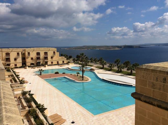 New apartment with roof terrace Fort Chambray - Għajnsielem - Apartemen