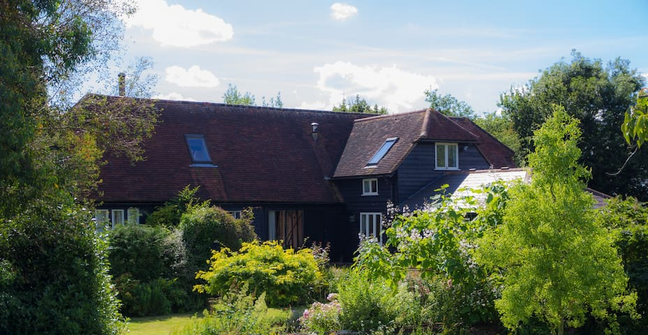 Double room in a converted barn with private bath - White Colne - Haus