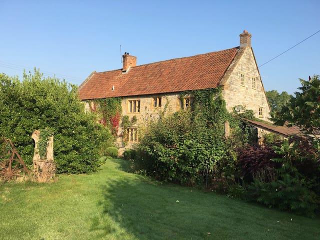 Creative haven on a Somerset Farm - Wick - Casa