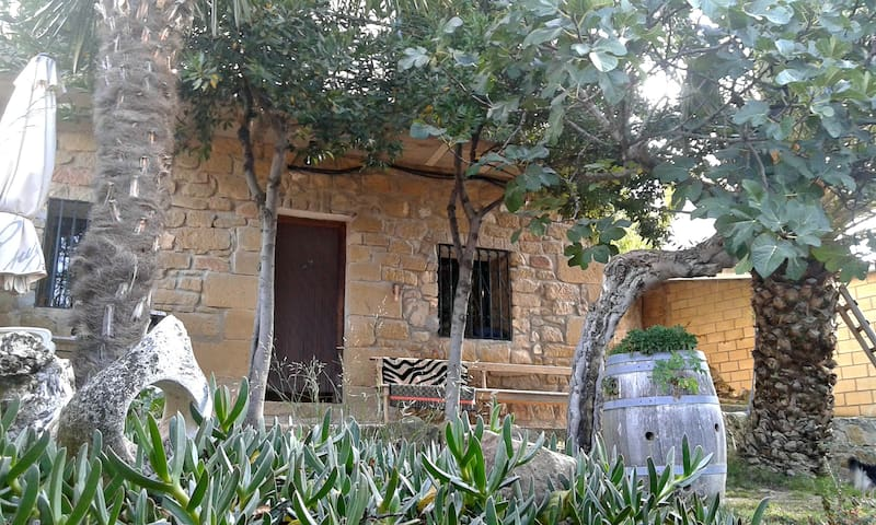 LARRAIN ETXEA casa rural entre viñedos - Mañueta - Ev