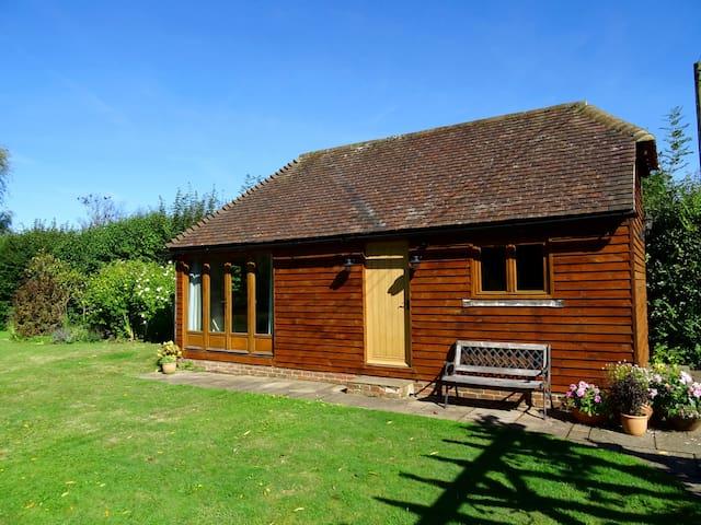 Newly refurbished barn in rural location - Ringmer