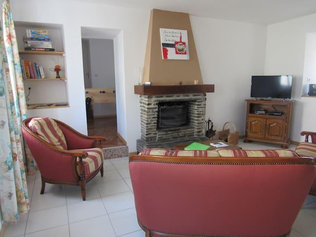 Gîte Hameau du mont - Montgardon - Huis