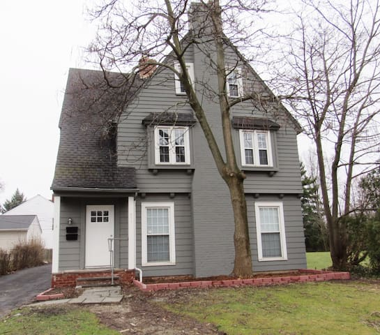 2-Bedrooms in Shaker Heights - Shaker Heights - Byt