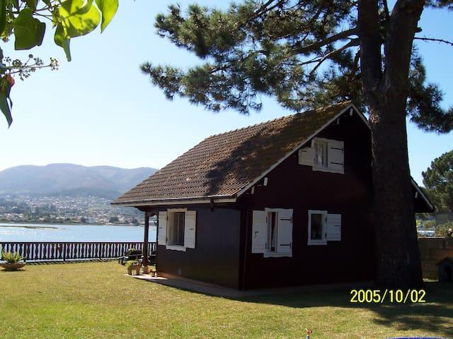 Casa de madera sobre el mar - Nigrán - Ev