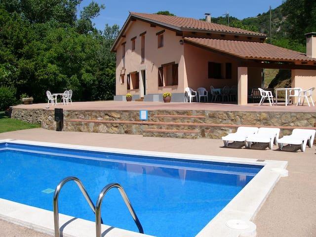 Casa rural Can Mestrehuma,  - Sant Esteve d'en Bas - Hus