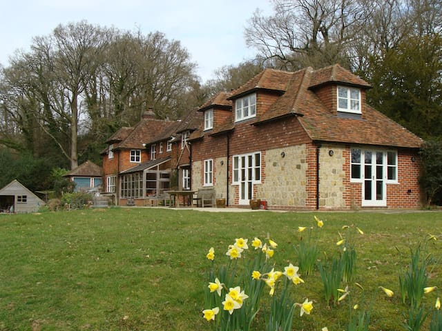 West Sussex  - self contained rural retreat - Linchmere - Huis