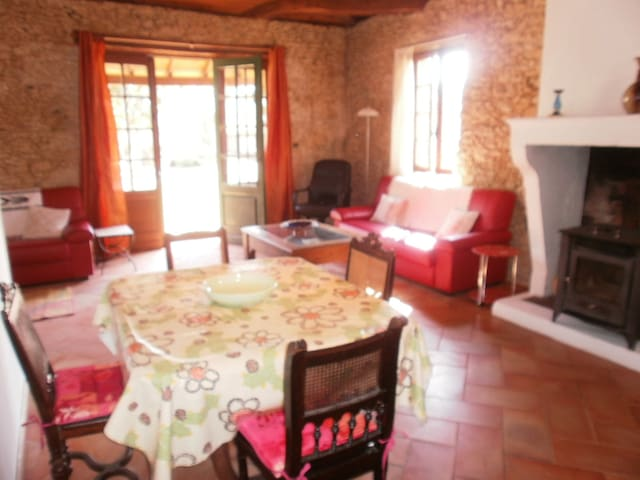 Characterful 2 bedroom stone cottage w/POOL/WIFI - Nogaro - Hus