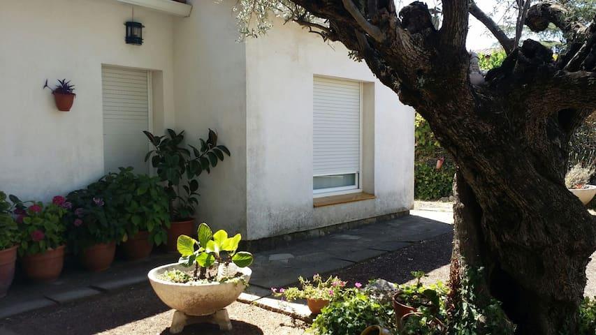 Habitacion en plena naturaleza - can font -can avellaneda -castellar del valles  - Huis