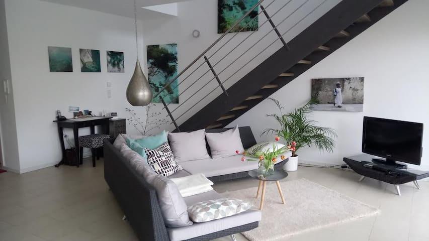 Helle und moderne Wohnung in Schwarzach am Main - Schwarzach am Main - Huis