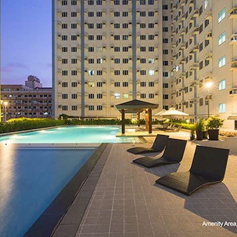 New Cozy Condo w/Amenities @ Mplace - Quezon City - Appartement