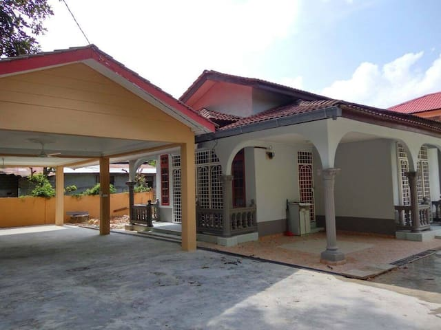 Villa Idaman @ Lavish Bungalow - Ketereh - Bungalow