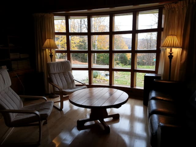 Peaceful room for two in a rustic house - North Hatley - Xalet