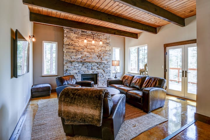 Tahoe Mountain Home with upscale amenities-4br - Stateline - Maison
