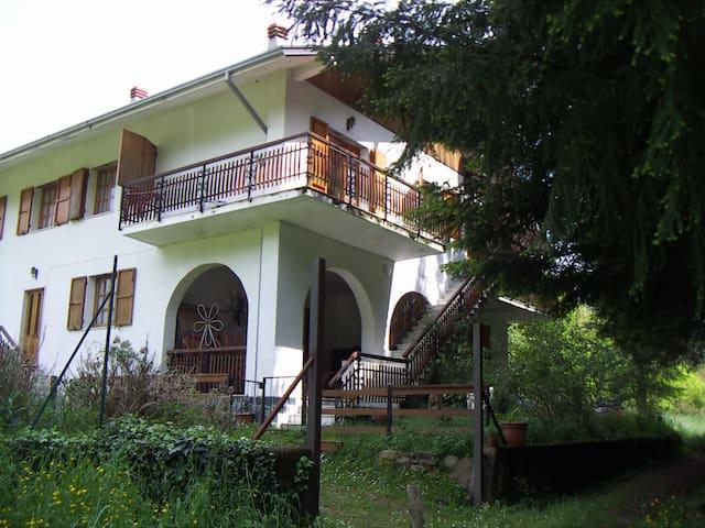Casa Candellero in Val Trebbia - Rovegno - Hus