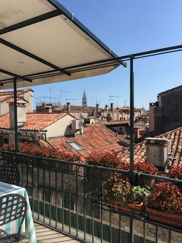 Cosy room in Venetian apartment with terrace - Venedig - Lejlighed