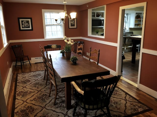 The Lodge at Aldworth Manor - Harrisville - 一軒家