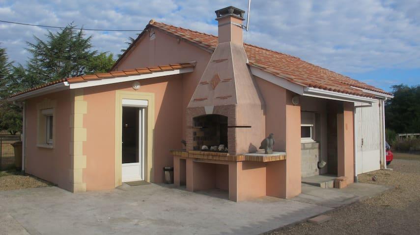 Studio tout confort accès rivière prox St Emilion - Saint-Seurin-sur-l'Isle - Departamento