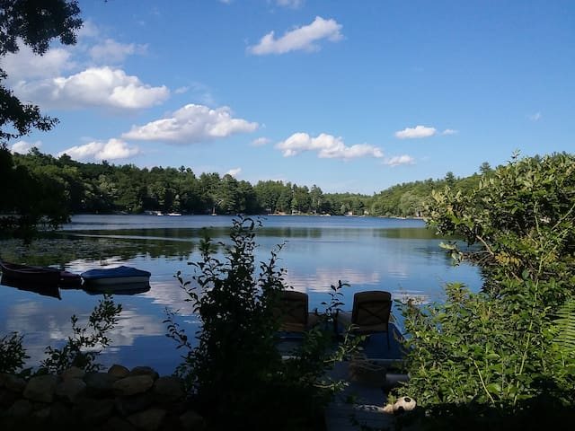 Charming Waterfront Cottage on Quiet Pond - Windham - Huis