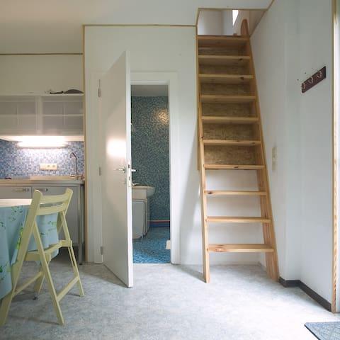 1-person studio in wooden house, monthly rent - Genappe - Departamento