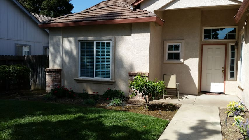 Great house for Medical & All Travelers! - Yuba City - Huis