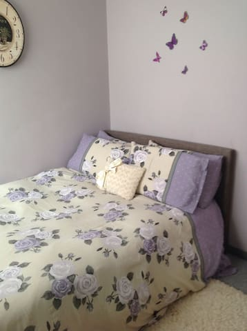 The lilac room- double bed - Maidstone - Bed & Breakfast