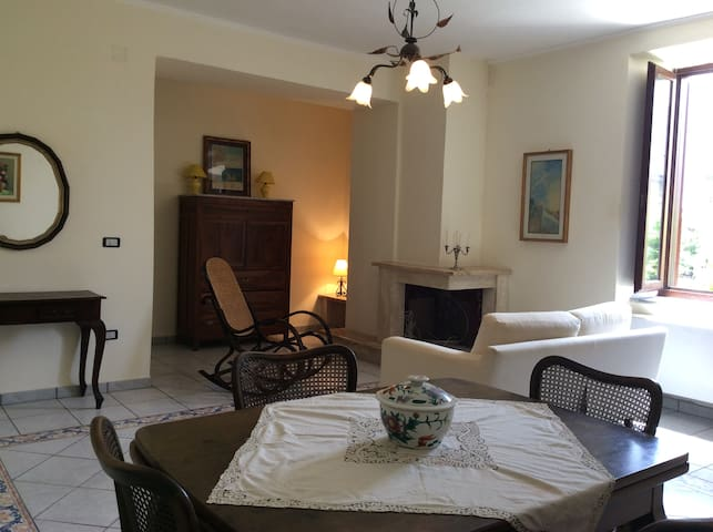 Historic House in the Cilento National Park - Ceraso - Huis