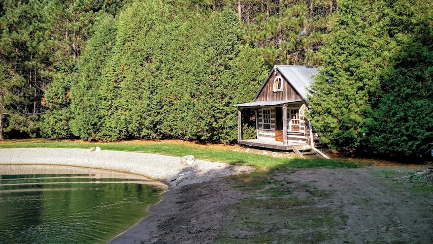 Spectacular cabin setting in the woods - Caledon - Stuga