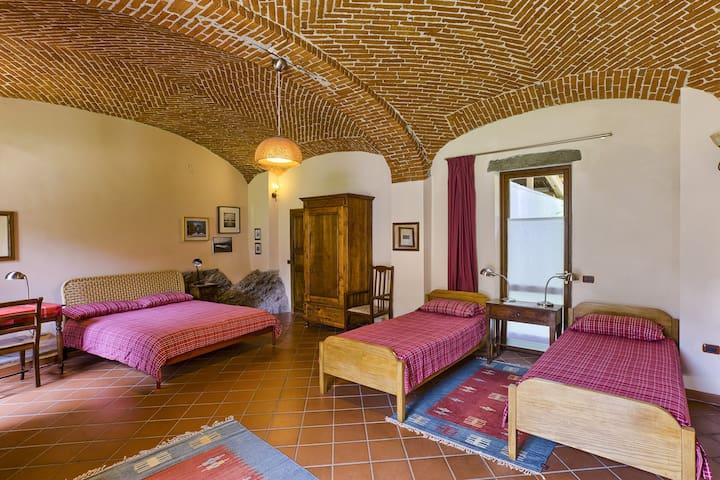 Camera della Roccia - Ivrea - Bed & Breakfast