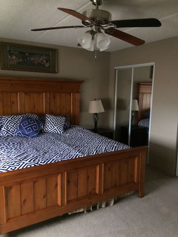 Ocean view Beach 1200 feet   2 bed 2 ba - Daytona Beach Shores - Appartement en résidence