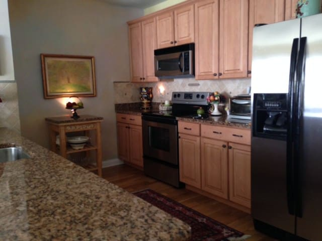 Top Ranked Town - Perfect  For You - Haddonfield - Apto. en complejo residencial