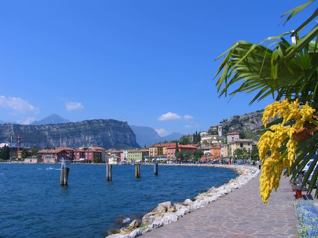 Lake view flat in the old town - Nago-torbole - Departamento