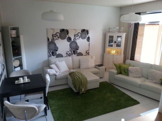 Lovely 3 room apartment with garden - Nummela - Adosado