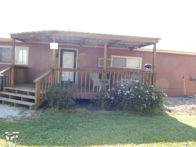 Madison House 4 bedroom, 2 bath, covered decks - Port O'Connor - Huis