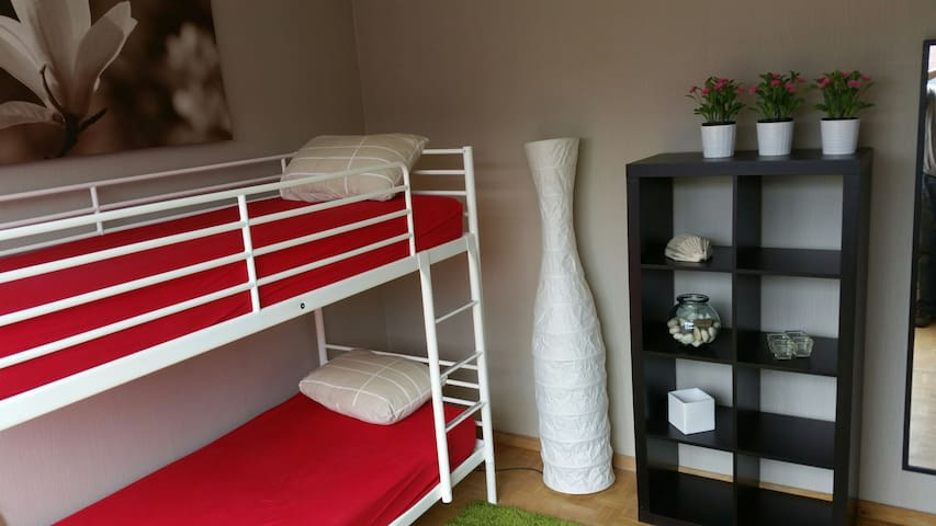 Room in apartment downtown Herentals 2 pax - Herentals - Apartamento