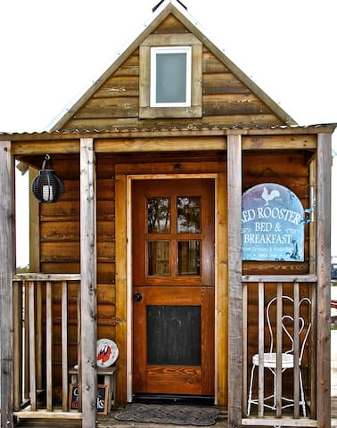 Ruby - Tiny House at MLF Community First! Village - Austin - Bed & Breakfast