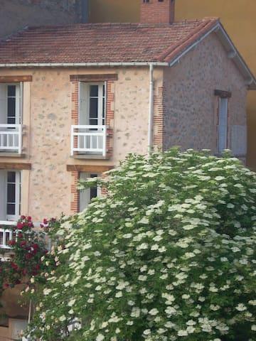 Maison de 1820 en pierres apparentes & son jardin - Vernet-les-Bains - Hus