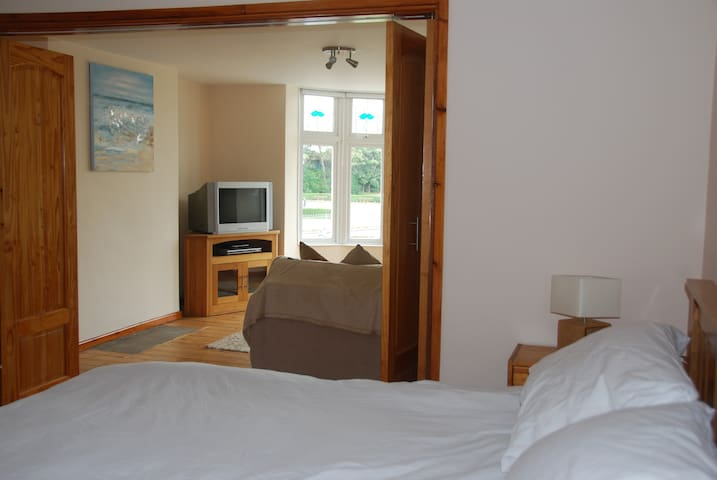 Holiday Apartment close to sea front, Town centre. - Porthcawl - Appartement