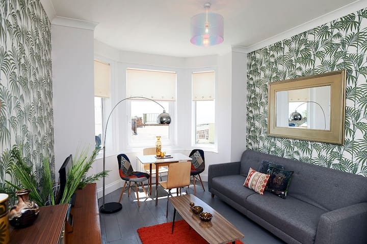 The Retro Retreat. Funky apartment with a sea view - Ventnor - Daire