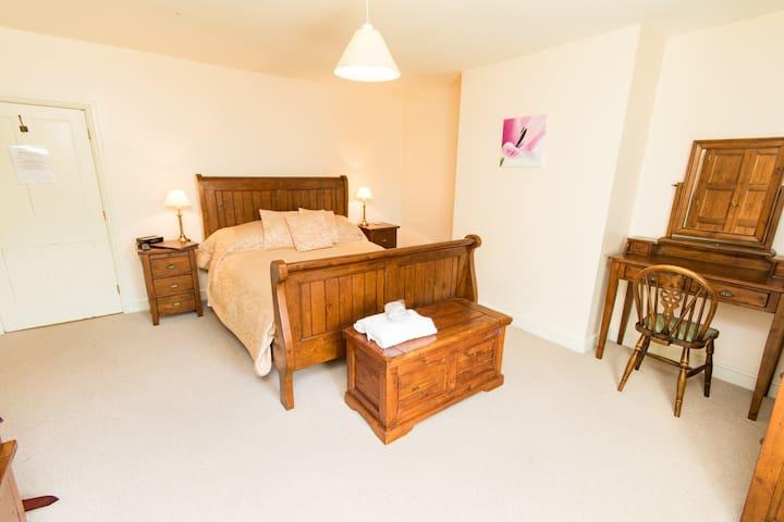 Spacious B&B Accomodation - Sleaford - Lincolnshire - 家庭式旅館