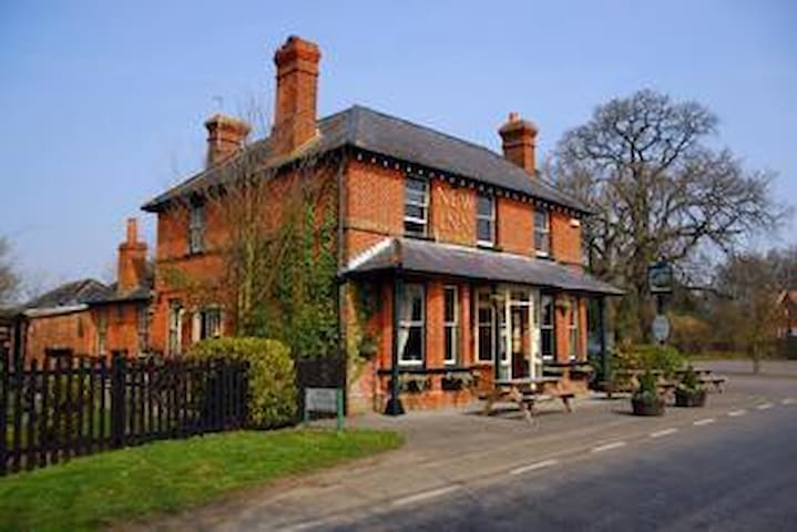 The Iron Duke, Nr Reading, Basingstoke & London - Stratfield Saye - Oda + Kahvaltı