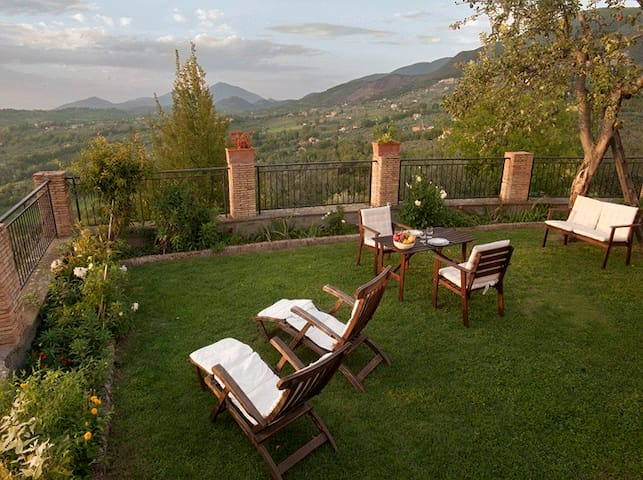 COTTAGE SABINA COUNTRY HOUSE - Poggio catino - Hus