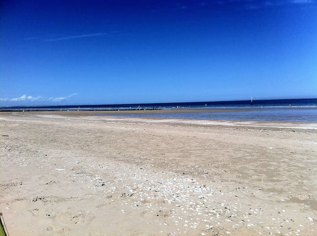 Nice Flat 50m Beach and Center - WIFI - - Cabourg - Lägenhet