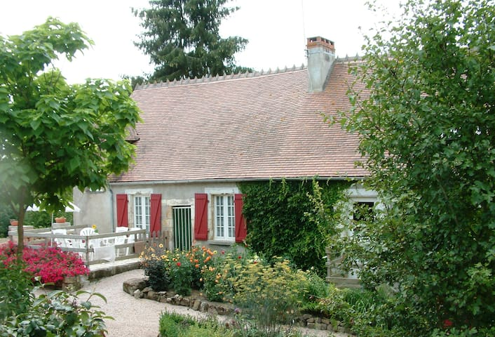 Te huur Miller's house - Ygrande - Casa de campo