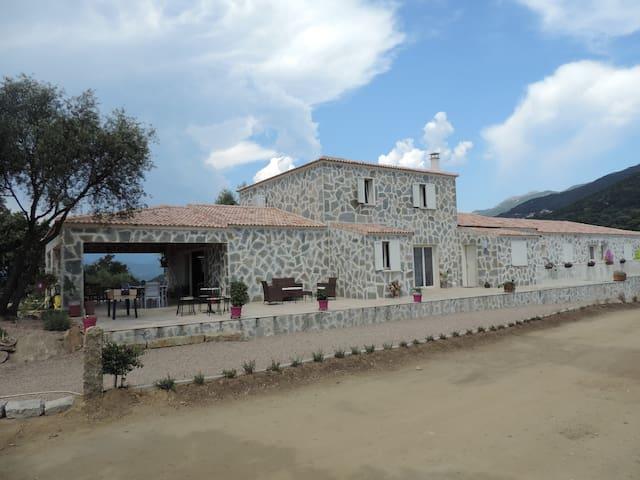 Chambres d'hôtes N° 1 - Sollacaro - 家庭式旅館