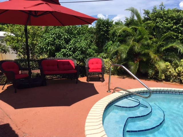 3bd house, pool, 1.3 miles to beach - Deerfield Beach - Dom