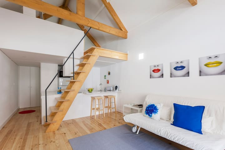 LOVELY URBAN LITTLE HOUSE FOR 2/4 GUESTS - Oporto - Loft