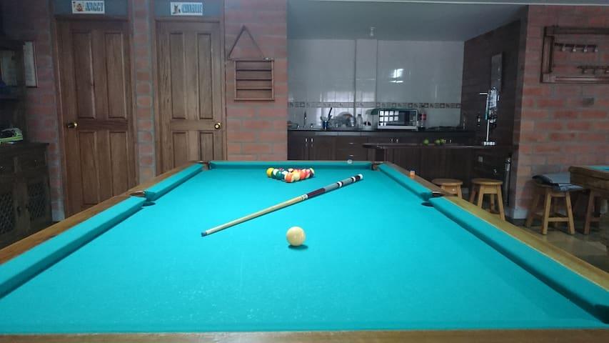 Espectacular finca, billar, ping pong, futbol - Guarne - Rumah