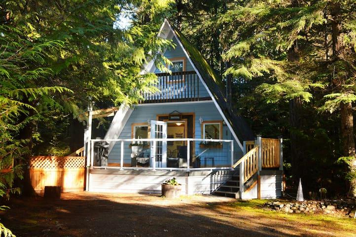Stone's Throw Cottage Retreat - Qualicum Beach - Chalet