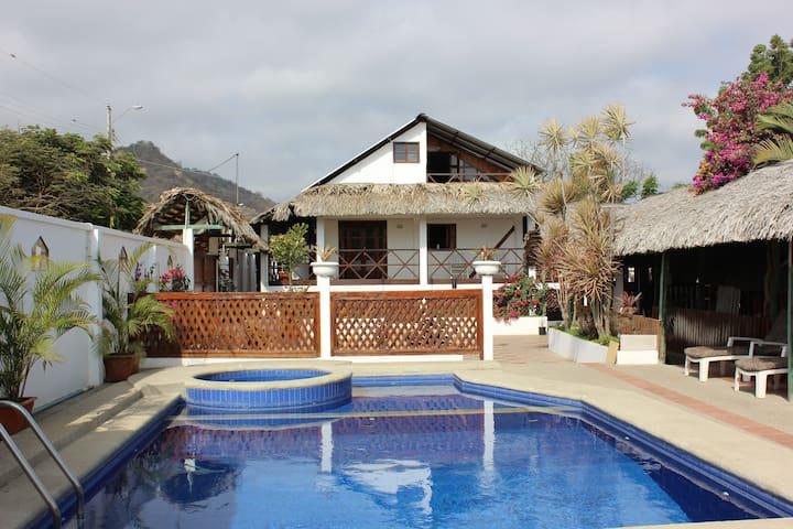 2 Bedroom Guest House - San Clemente, Manabi, Ecuador - Bed & Breakfast